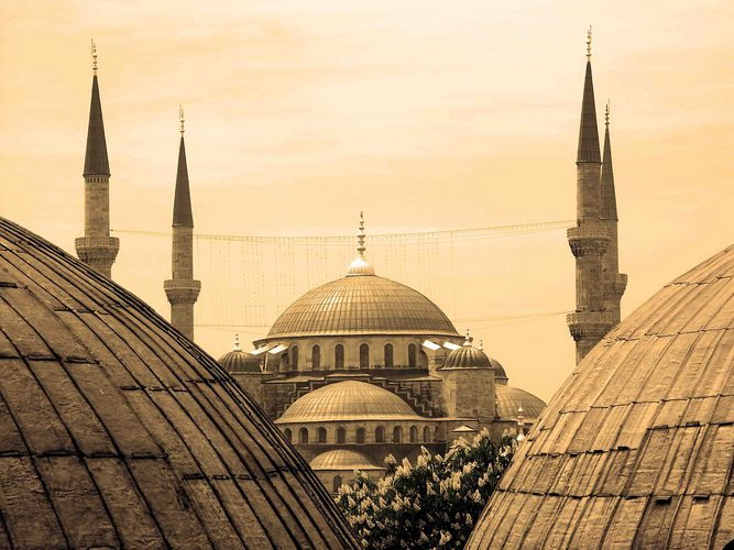 Kuppeln und Minarette