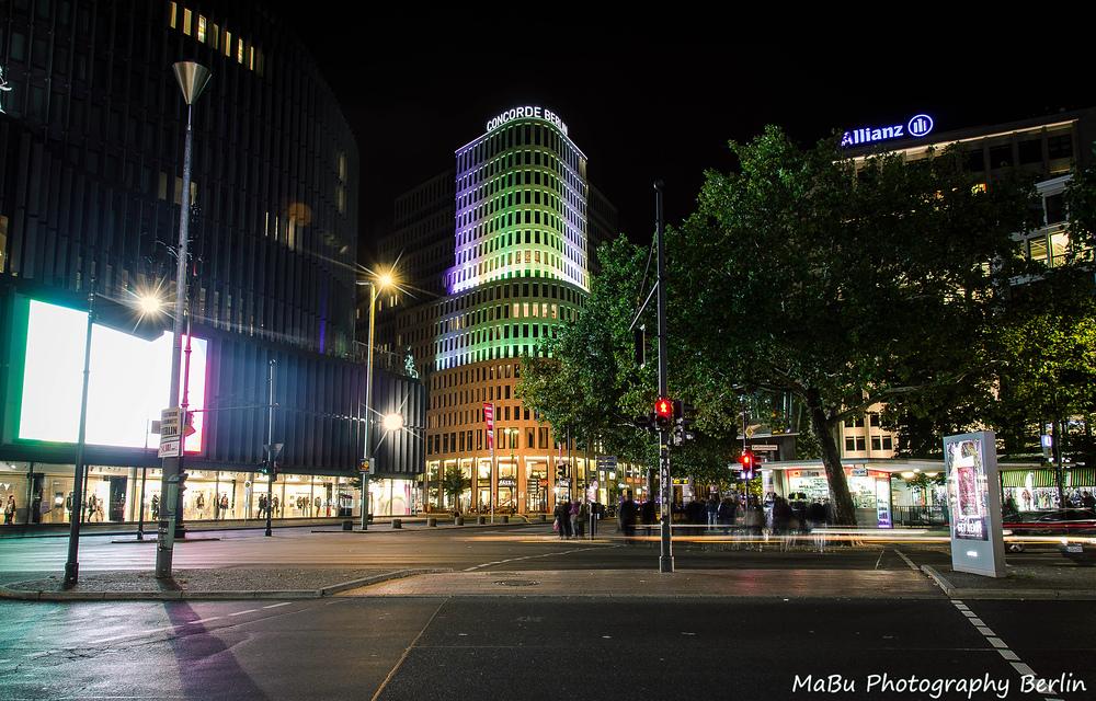 Kurfürstendamm in Berlin bei Nacht