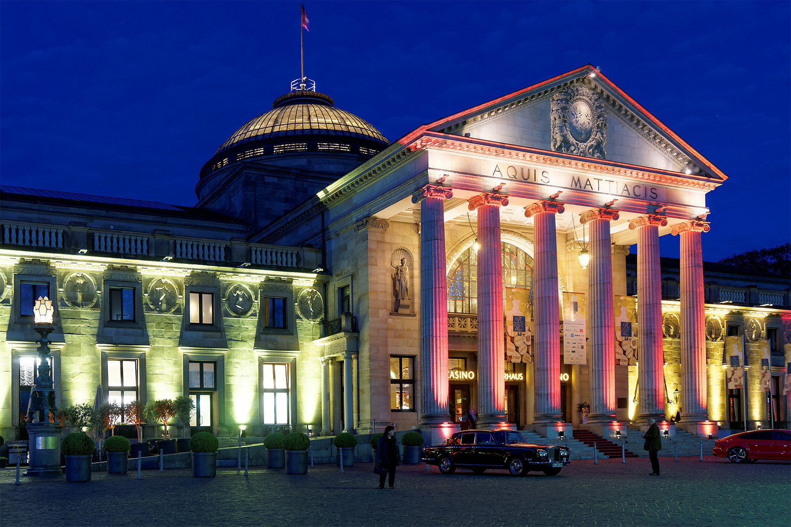 Kurhaus Wiesbaden illuminiert (2)
