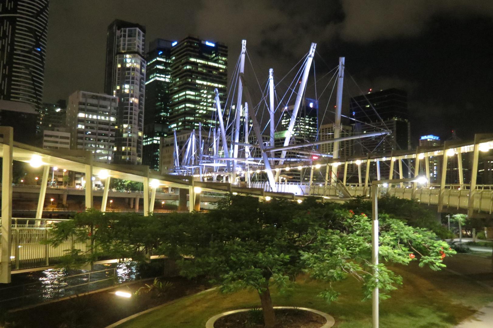 Kurilpa Bridge at Night (Brisbane)