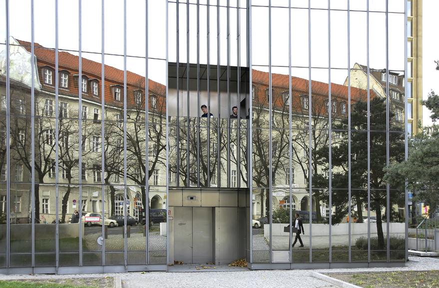 kuriose Spiegelung in der Berliner City