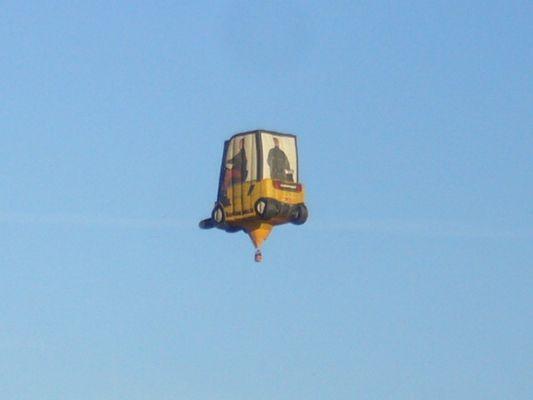 Kurioser Heißluftballon