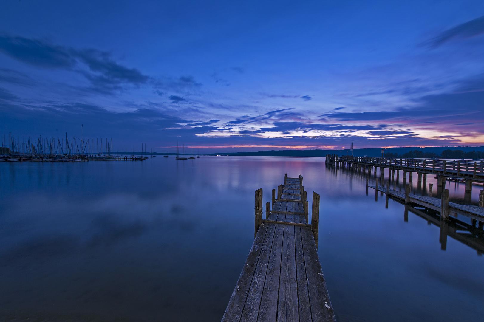 Kurz nach fünf - blaue Stunde am Ammersee