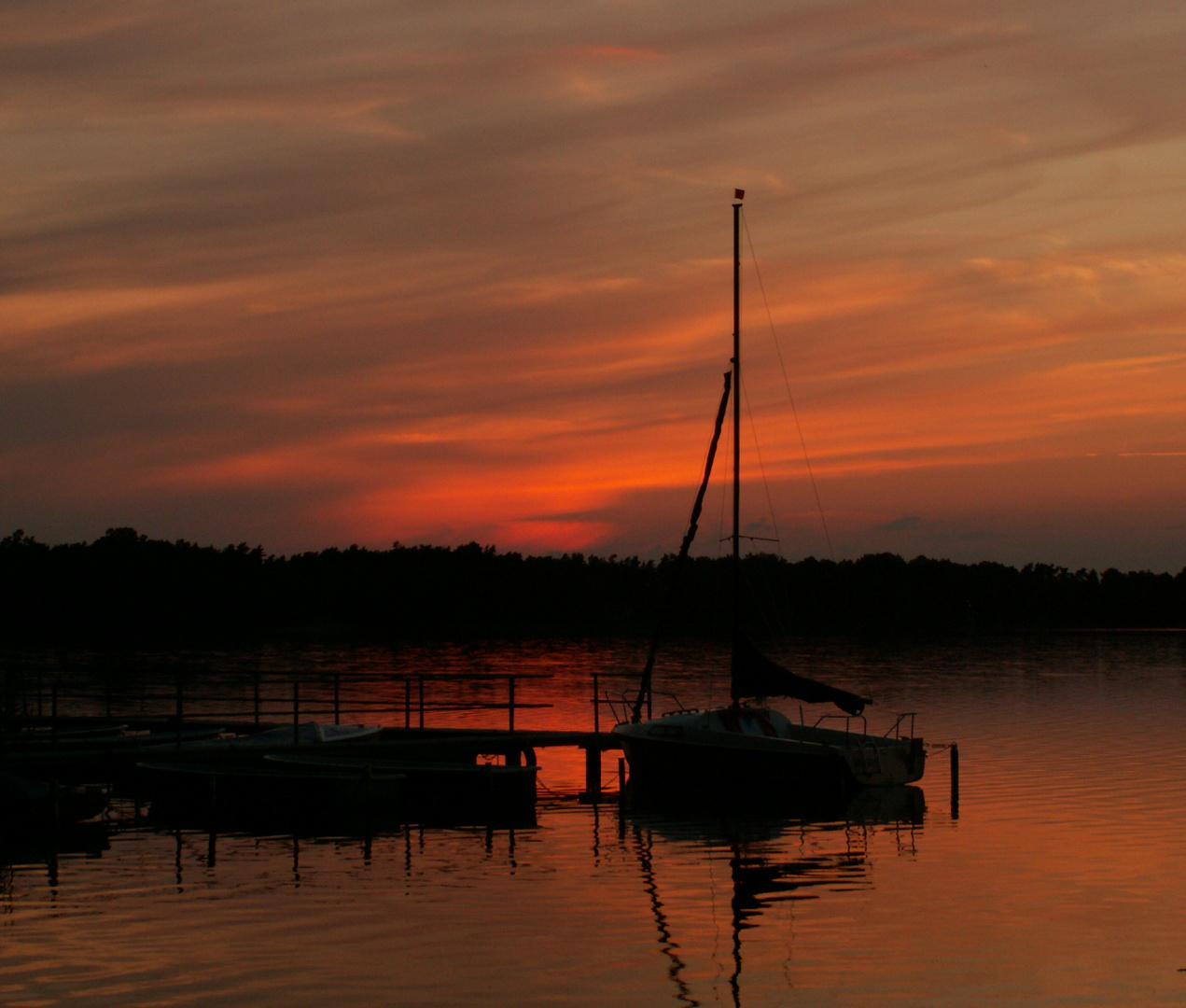 Kurz nach Sonnenuntergang am Arensee (Altmark)