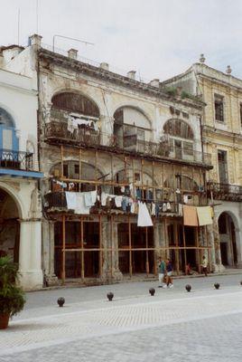 Kurz vor dem Zerfall und doch bewohnt - Altstadt von Havanna