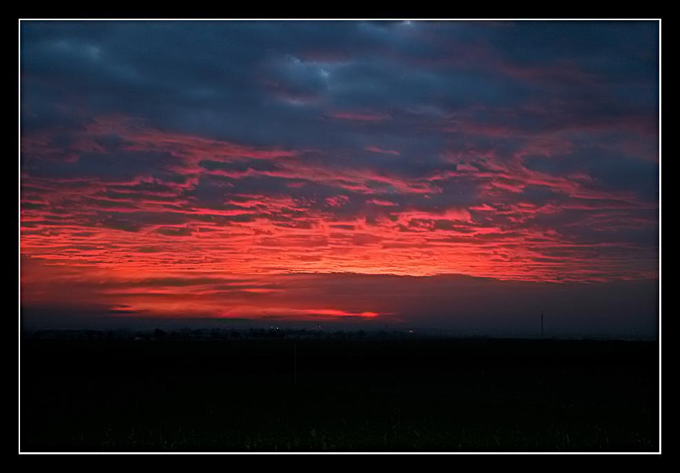 Kurz vor Sonnenaufgang über Nürnberg