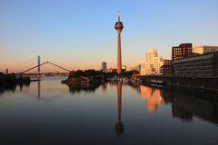Kurz vor Sonnenuntergang am Medienhafen-Düsseldorf
