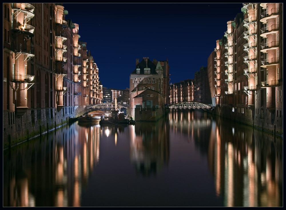 Kurzbesuch in Hamburg - Speicherstadt bei Nacht