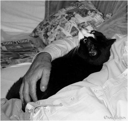 Kuscheln mit Opa