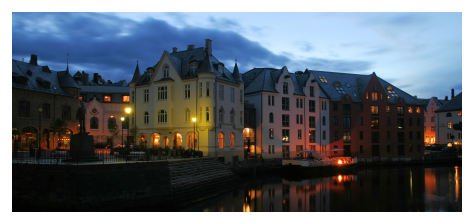 Kveldslys i Ålesund