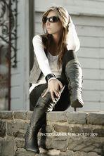 * Kyra * (3)