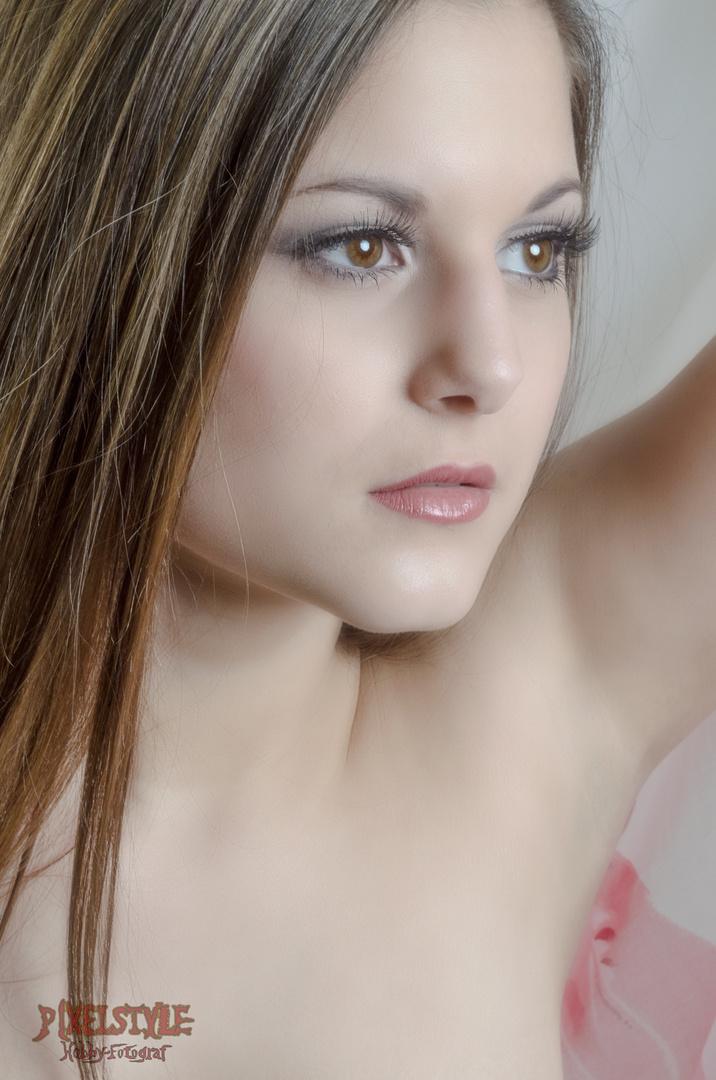 L Portrait