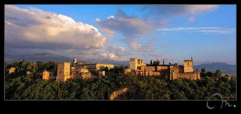 La Alhambra... bajo los últimos rayos de sol del día
