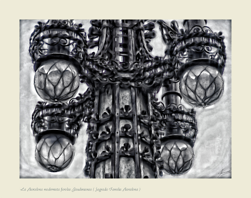 La Barcelona modernista farolas Gaudinianas ( Sagrada Familia Barcelona )