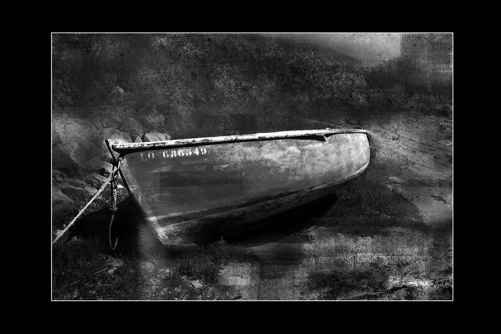 La barque en noir et blanc