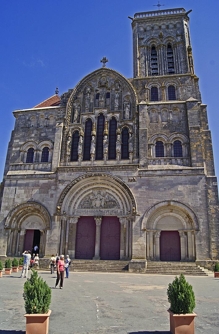 la basilique sainte madeleine de vezelay