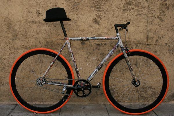 La bici ed il suo cappello