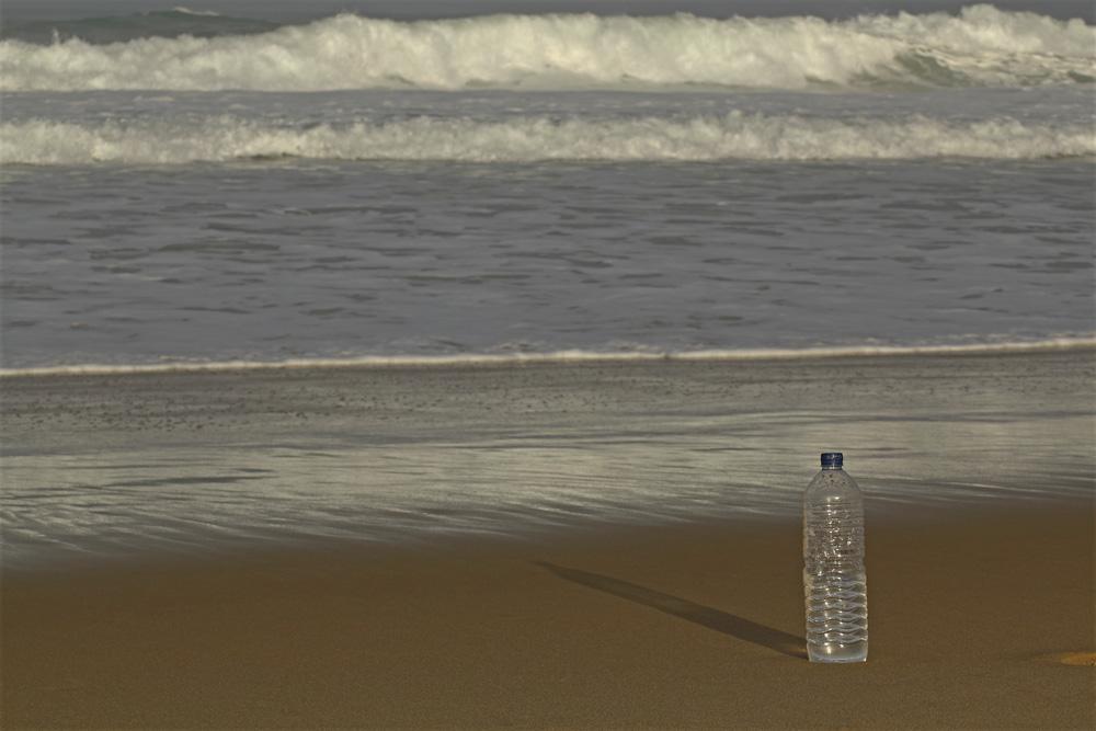 la bouteille au bord de l'eau !!!