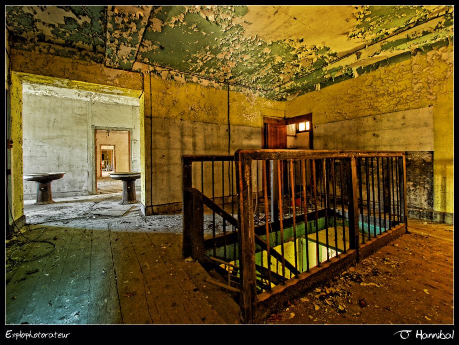 •La cage•