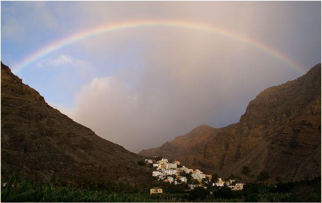 La Calera mit Regenbogen