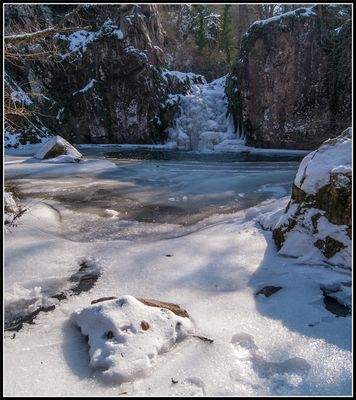 La cascade des Pommiers gelée