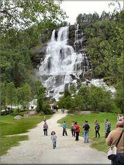 La cascata di Tvindefossen