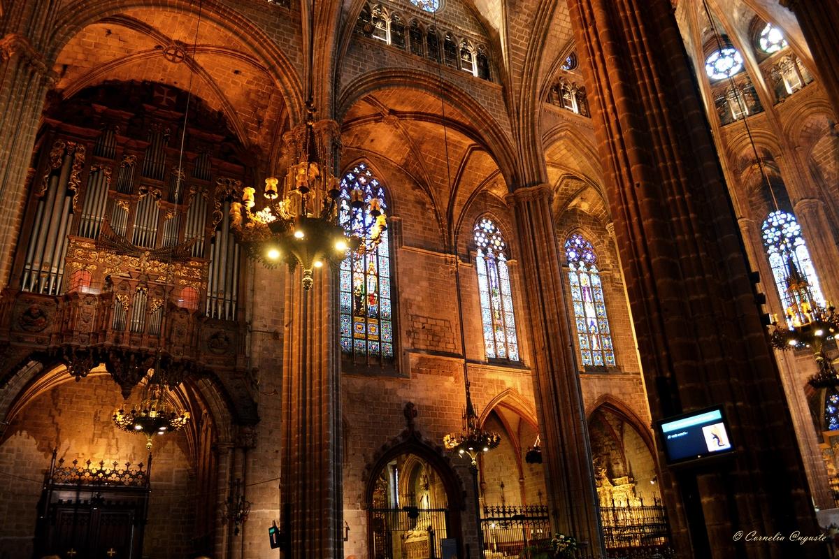 La Catedral de la Santa Creu i Santa Eulalia...