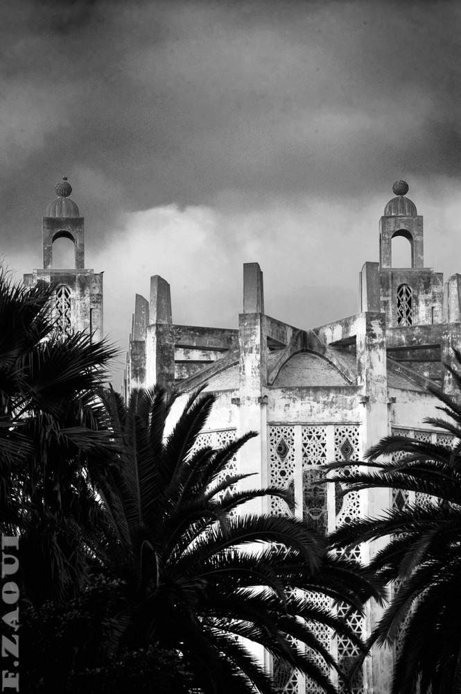 la cathedrale vue de loin