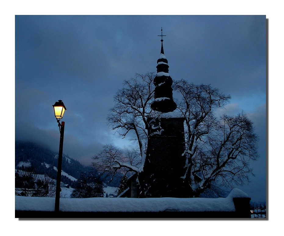 La chapelle d'Abondance de nuit (74)