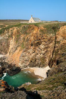 La chapelle face à la mer