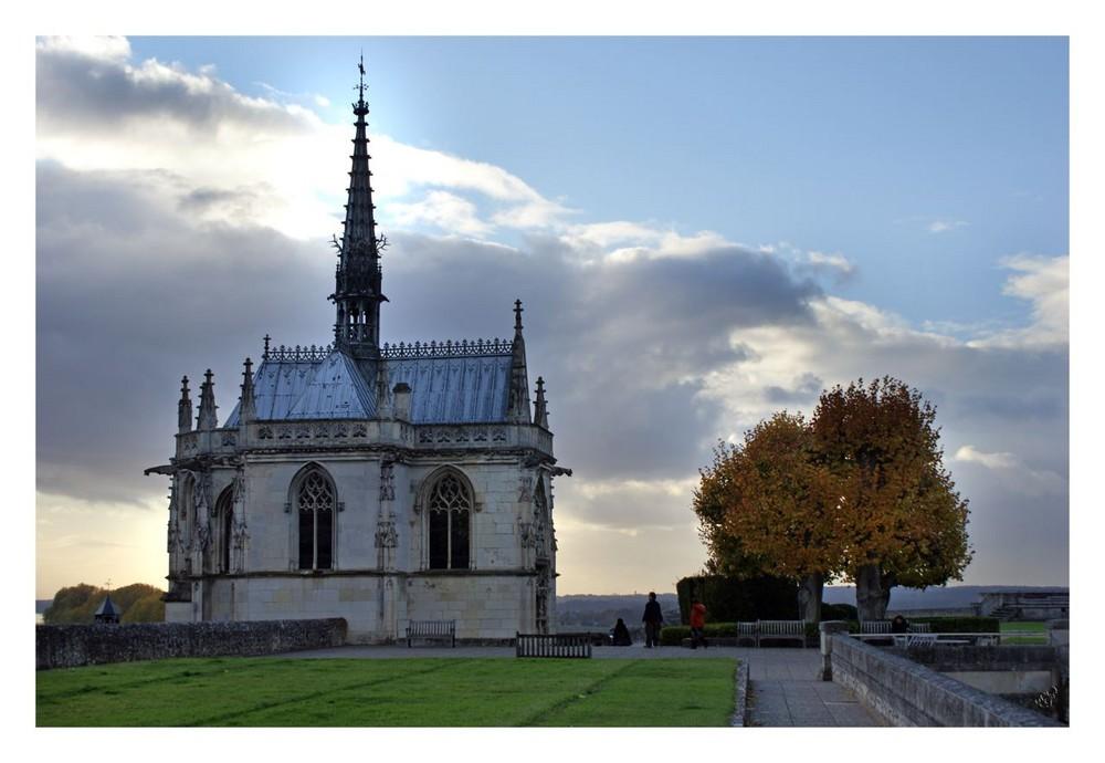 La chapelle St HUBERT et .... LEONARD DE VINCI
