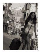La chica de la maleta