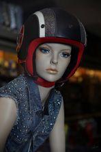 La chica del casco