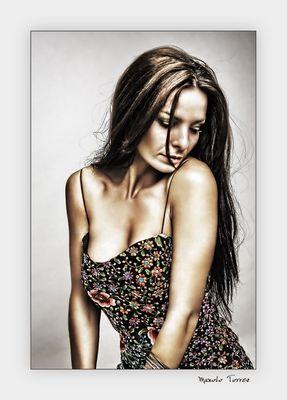 La chica del vestido de flores