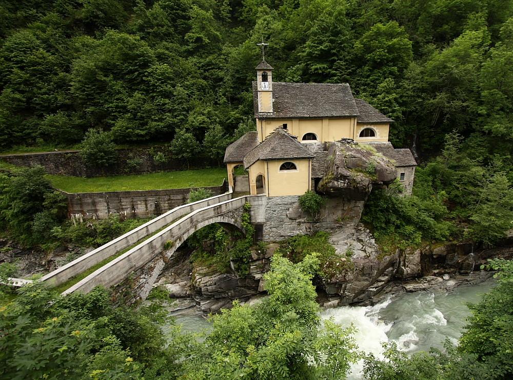 La chiesetta del bosco
