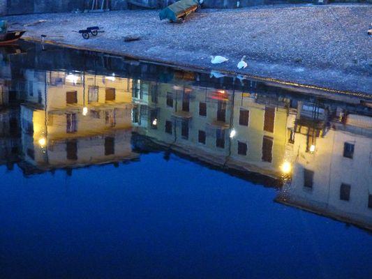La città (Luino) nel lago