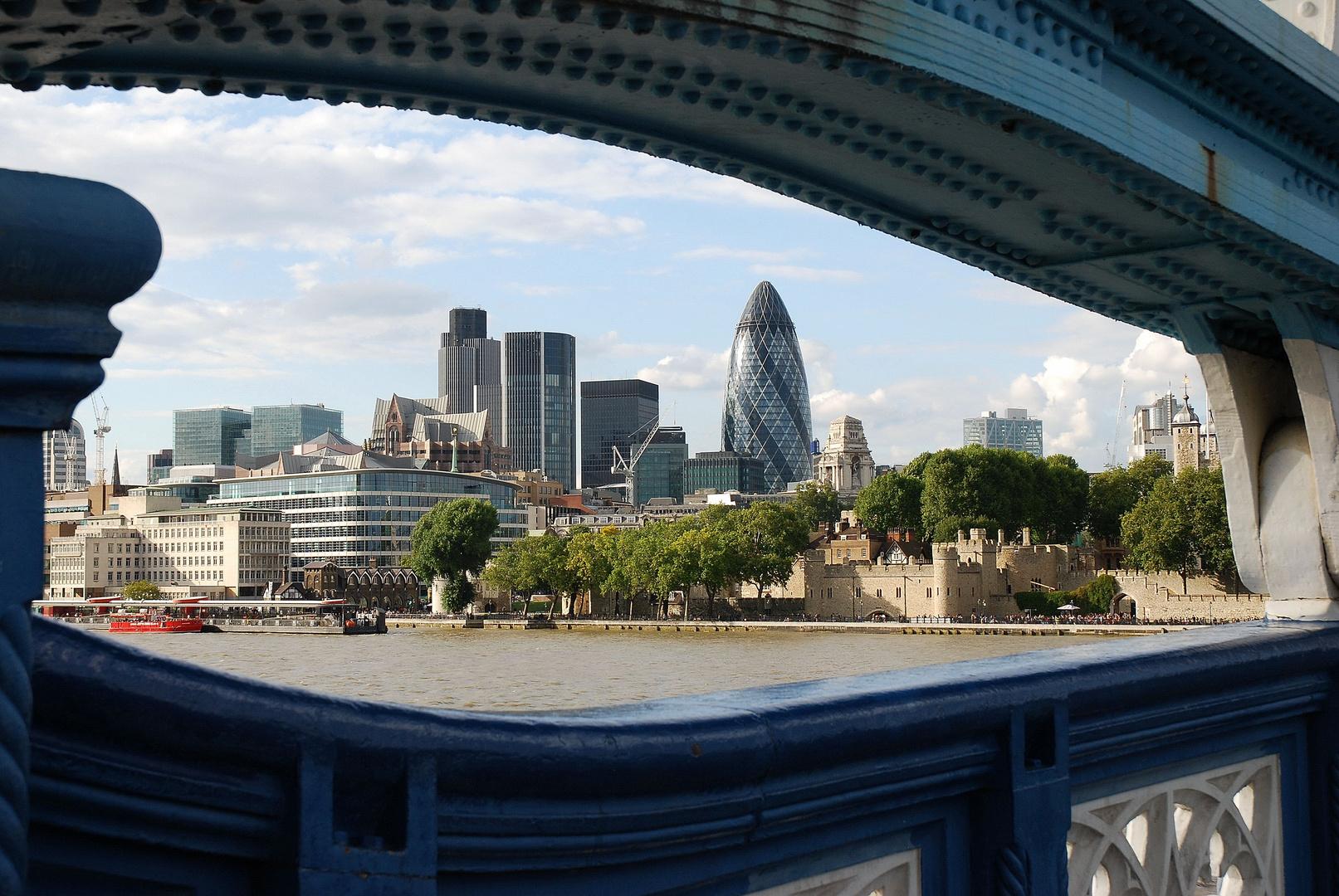 La city vue du Tower Bridge
