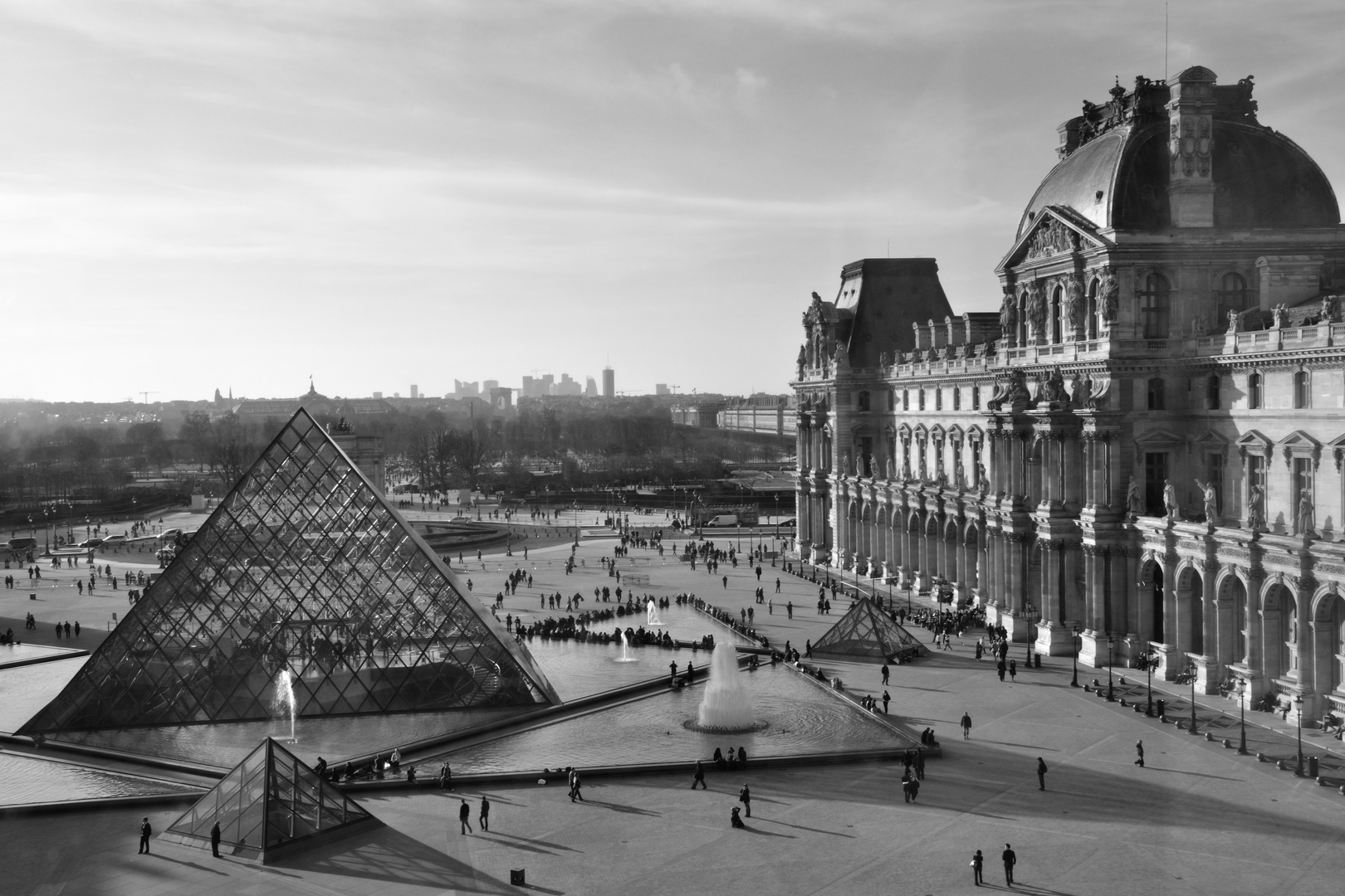 La cour centrale du Louvre