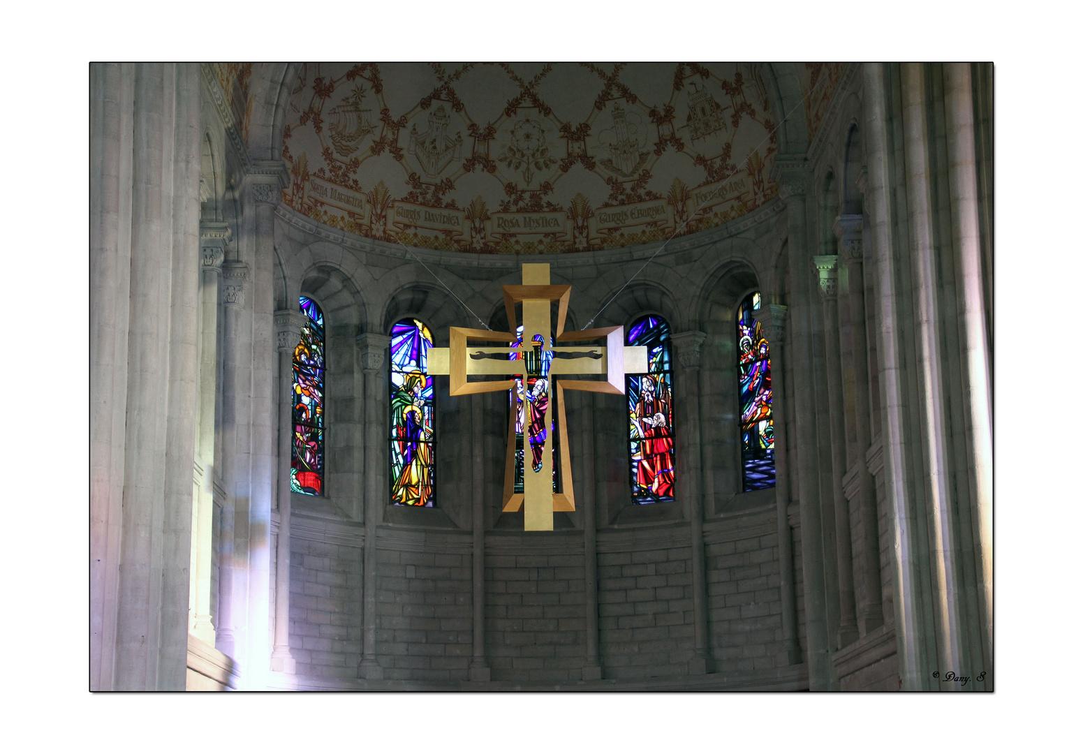 La croix dans le coeur