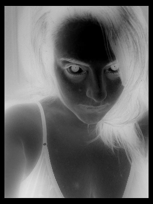 La DAma IN nero .....