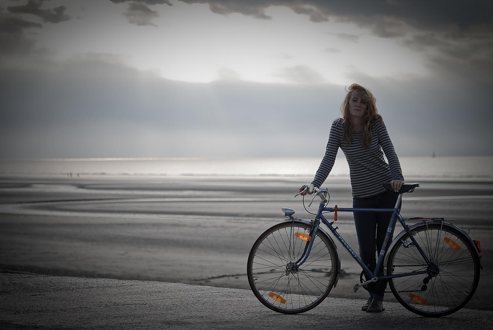 La demoiselle en bicyclette