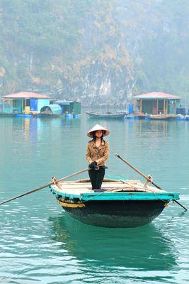 """La """"Fashion Lady"""" de la baie d'halong"""