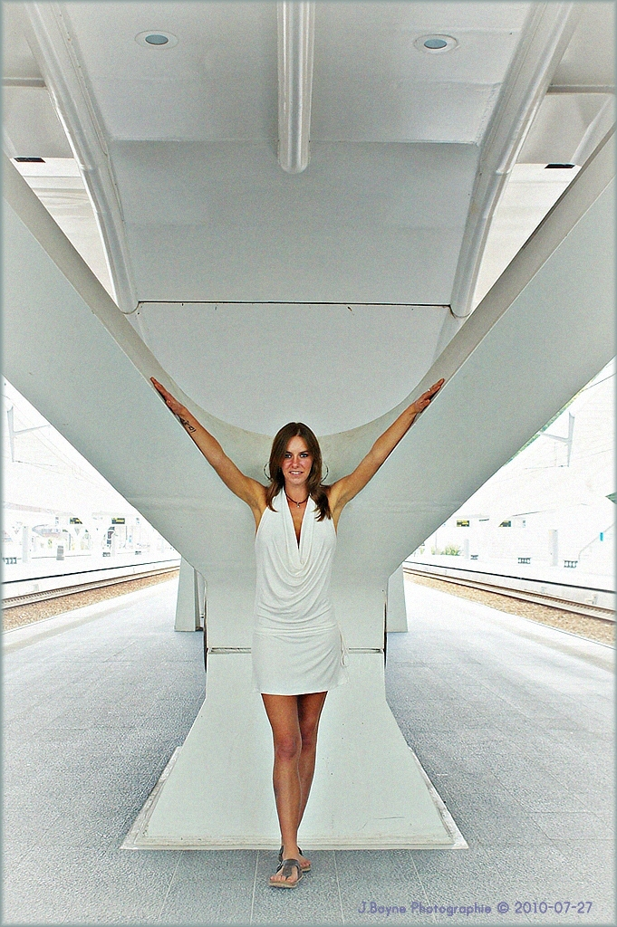 La fille et l'architecture