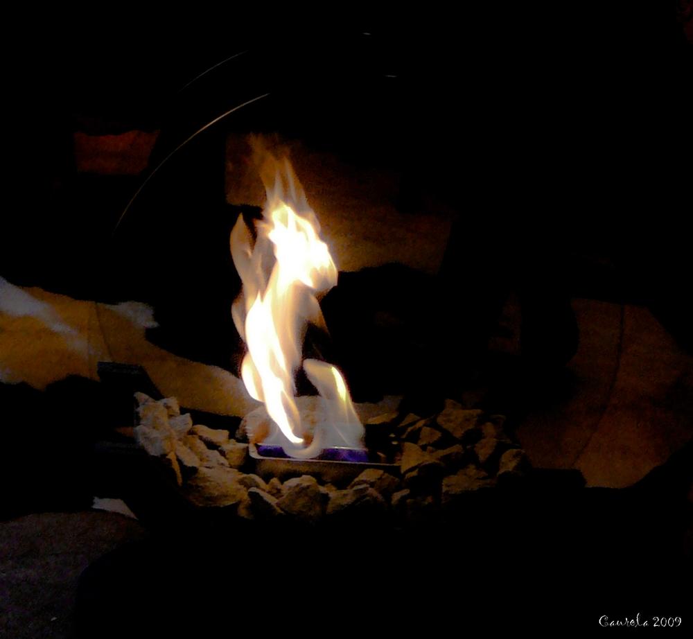 La flamme au foyer