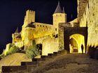 La fortezza di Carcassonne di notte