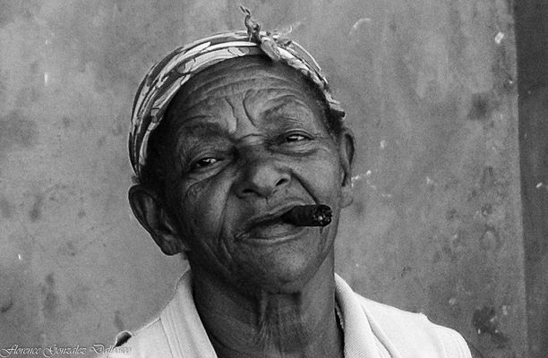 La fumeuse de cigare.