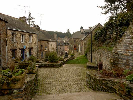 la GACILLY le village