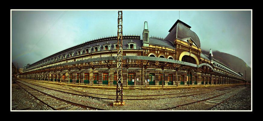 La Gare Internationale de Canfranc - Espagne - Aragon