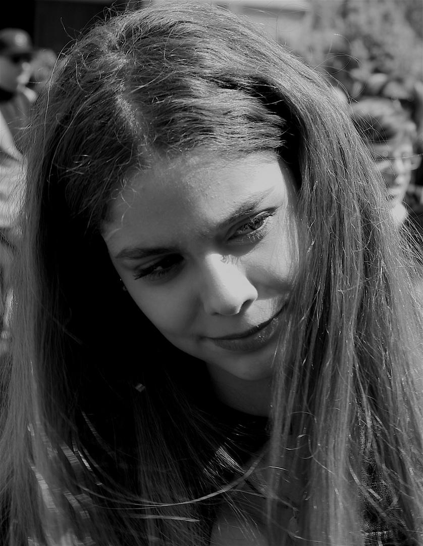 La giovane e il raggio di sole...