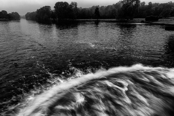 la grande cascade et le grand canal un matin de grisaille
